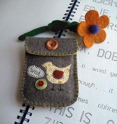 Purse gadget pouch, sweet felt, gadgets, felt pouch, felt purse, felt birds, camera bags, felt gadget