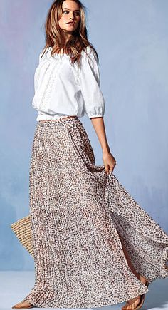 leopard print maxi skirt  http://rstyle.me/n/jptj5pdpe