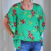 Un patron de couture gratuit : le top chauve-souris