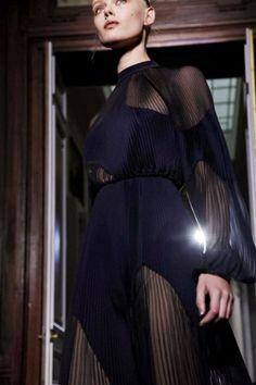 Valentino Couture via http://nowfashion.com
