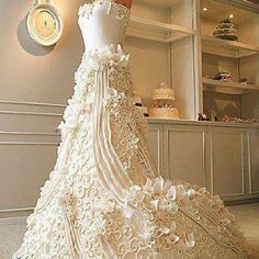 Now THIS is truly a work of edible art!! Wow!