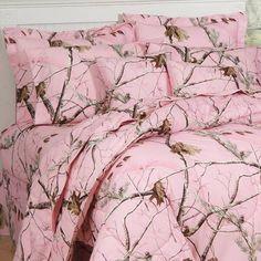 Pink Camo bedding.... LLLLLLOOOVVVVEEE IT!!