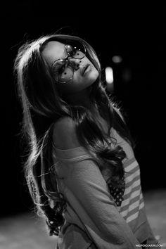 sweater, fashion, glasses, style, star tattoos, stars, beauti, wildfox, hair