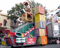 I love seeing all the different parade floats !