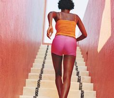 Quick workout idea | Stand at the bottom of a flight of stairs, and do superfast step-ups. Leading with the same leg, step up and down a single stair 30 times; switch legs and repeat. Then do 10 incline push-ups with your hands on the stairs. Repeat this three-minute cycle five times. #SelfMagazine