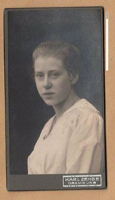 Dramburg  Karl Zehbe junge Dame Weihnachten 1917