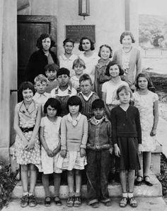Class photograph at a school in Calabasas, 1933. San Fernando Valley History Digital Library.