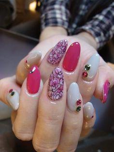 #nail #unhas #unha #nails #unhasdecoradas #nailart #gorgeous #fashion #stylish #lindo #cool #cute #fofo #pink #rosa #white #branco #floral #flores #flowers Nails