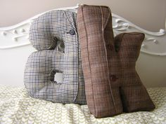 †Alphabet Pillow - cool idea, I think my daughter would like this, but in a fabric more suited to her. Love the idea!