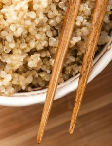 Quinoa Pilaf is a deliciously and filling accompaniment to almost any menu item. #skinnyms #quinoa #recipes