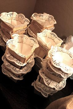 sweet little baskets with doilies
