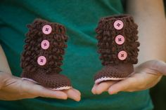 baby booties (etsy)