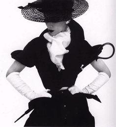 Irving Penn, Lisa Fonssagrives, Vogue 1950