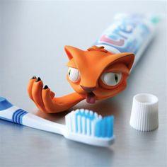 Wonders Toothpaste Head Dispenser