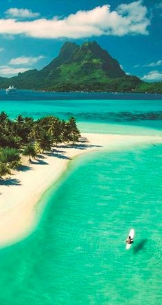 Beautiful Pearl Beach on Bora Bora in French Polynesia