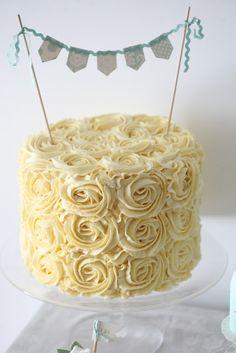 gorgeous cake w/ gold + tiffany blue cake topper