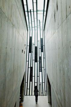 Holy Redeemer Church / Menis Arquitectos #skylight