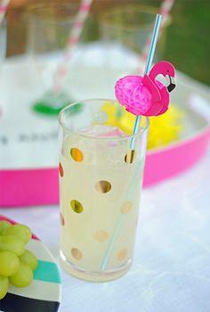 Adore this flamingo straw.