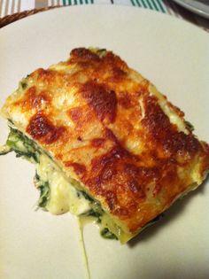 Spinach, mushrooms and cheese lasagna