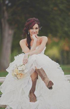 This is a gorgeous look for a wedding! #CowboyWedding #CowgirlWedding #WesternWedding
