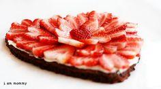 valentine brownie dessert pizza