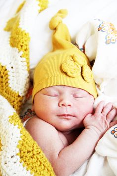 no sew- upcycled baby hats