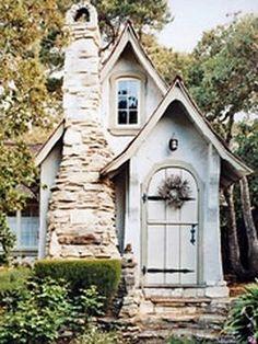 Love cute tiny house!