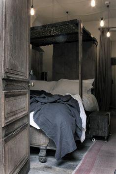 dark grey bedroom. Like the closed spaces :)