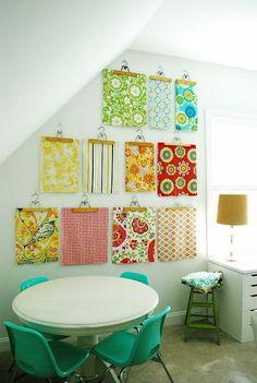 pretty prints on display, love this idea !! ♥