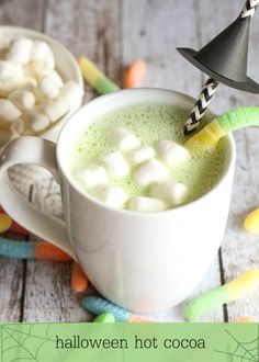 White Chocolate Halloween Hot Cocoa - so delicious and perfect for Halloween!