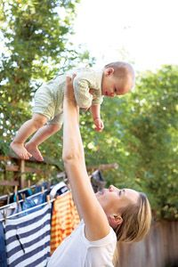 5 great ways to bond with your baby