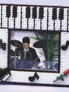 Plastic Canvas - Frames - Music! Music! Music! Fun Frame
