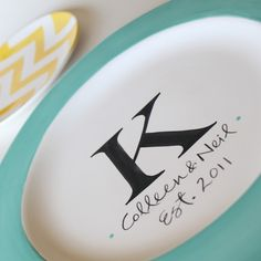 Personalized Plates... Such a great wedding gift idea... I want some of these!