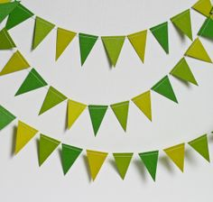 Green Bunting Flag Paper Garland St. Patricks Day Decor. I can make a garlands like this and have kids write on each why they think they are lucky