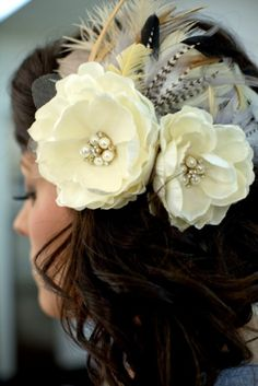 I love this hair piece for a wedding.