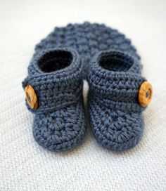 Crochet Baby Booties and Hat Gift Set by All4Pears on Etsy, $30.00