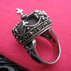 Femme Metale jewelry