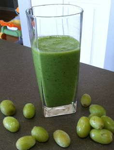 White Grape Peach Green Smoothie -- Just 3 Points on Weight Watchers 360