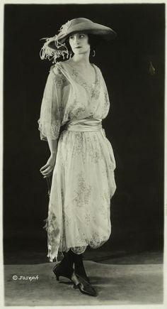 Saison Ciel - Women's fashions, 1921