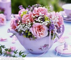 Teapots with Flowers in Them   Teapots With Flowers