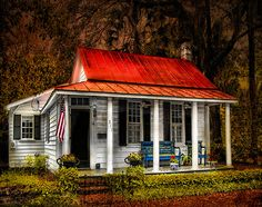 Near Savannah- The Caretaker's Cottage in Beauford, South Carolina has been in many movies; Forest Gump, The Big Chill, GI Jane, Prince of Tides, and The Jungle Book and several others.