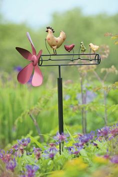 Funky Chicken Whirligig - WInd makes chickens move