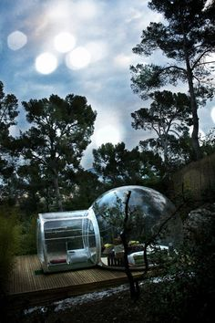 Innovative Transparent Bubble Tents :: French designer Pierre-Stéphane Dumas has put a new spin on camping outdoors with his series of tent-like chambers shaped like igloos, under the name Bubbletree. Each bubble suite is fit to be fully furnished with enough space for a bed and resting chairs. They come in two forms—transparent and half-opaque—for different settings, whether you want to lay back and take in your surroundings or simply have a private lodge outdoors.