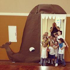 Decoração para a porta - Jonas e a baleia