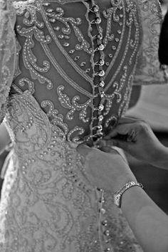 Izza & Nic: Bridal Gown - Wedding Photos | BridalBook.ph