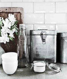 Love this kind of look for the kitchen.