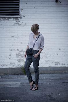 #LisaDengler #Justanotherfashionblog wearing #hudsonjeans Katie #sweatpants #ootd #sportychic