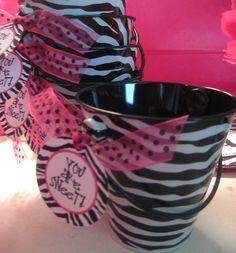Zebra buckets