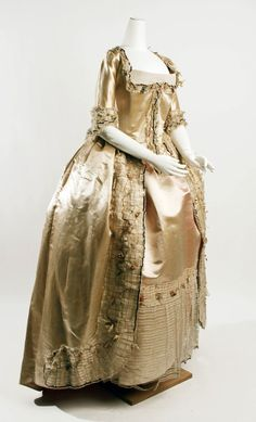 Robe a la francaise, 1774-93    From the Metropolitan Museum of Art