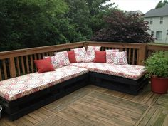 Creative and Traditional Pallet ideas   Wooden Pallet Furniture
